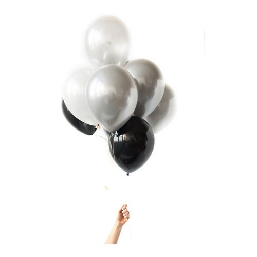 Ballongbukett hvitt sølv og Sort