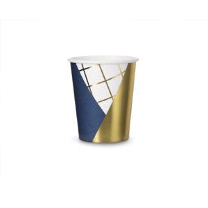 Marineblå kopper med gulldetaljer